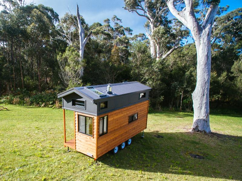 Graduate Series 6000DL Tiny Home