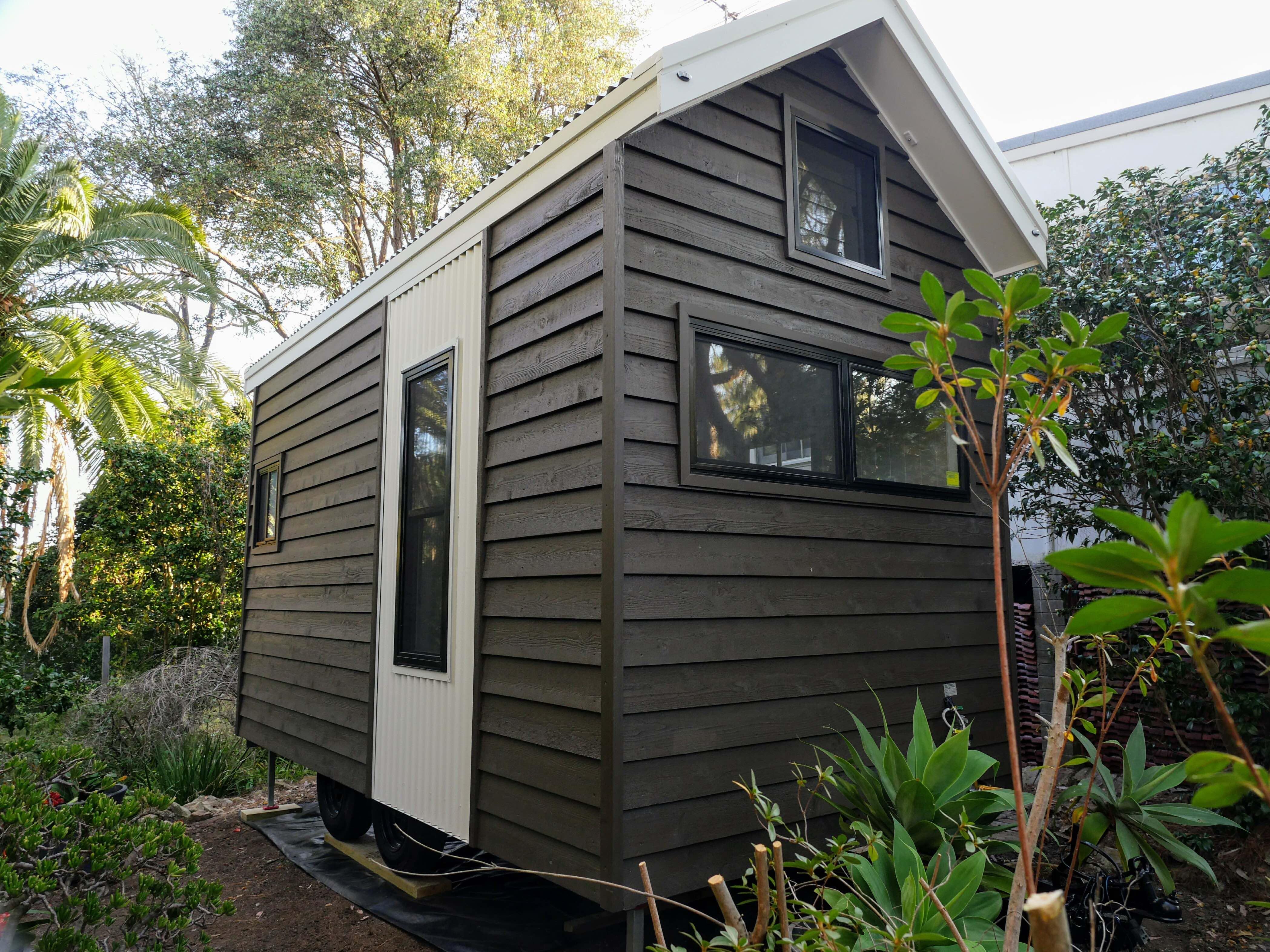 100 tiny homes australia home tiny house hunters for Brinkley manor apartments floor plans