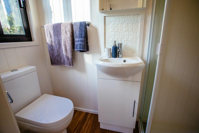 Graduate Series 6000DL Bathroom