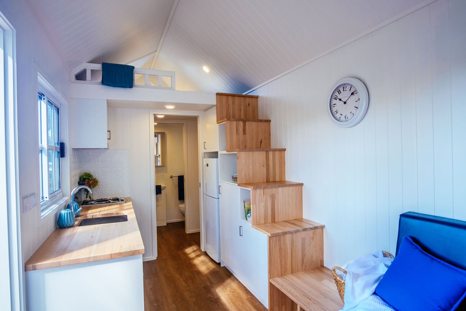 Lifestyle Series 7200SLC Tiny Home Stairs