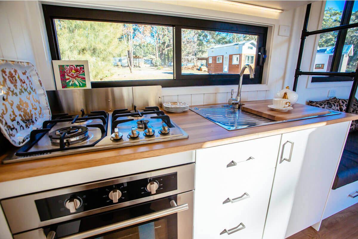 7200GB_0008_1 Kitchen