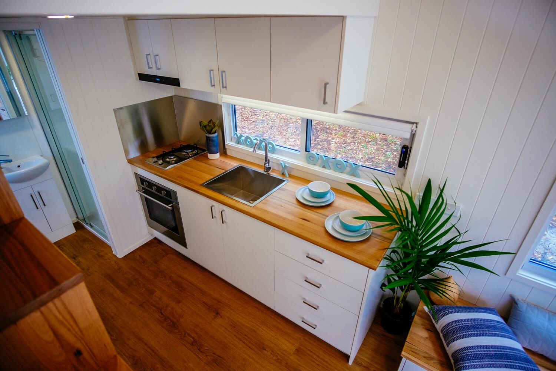 GS6000DL (white) Kitchen (loft)