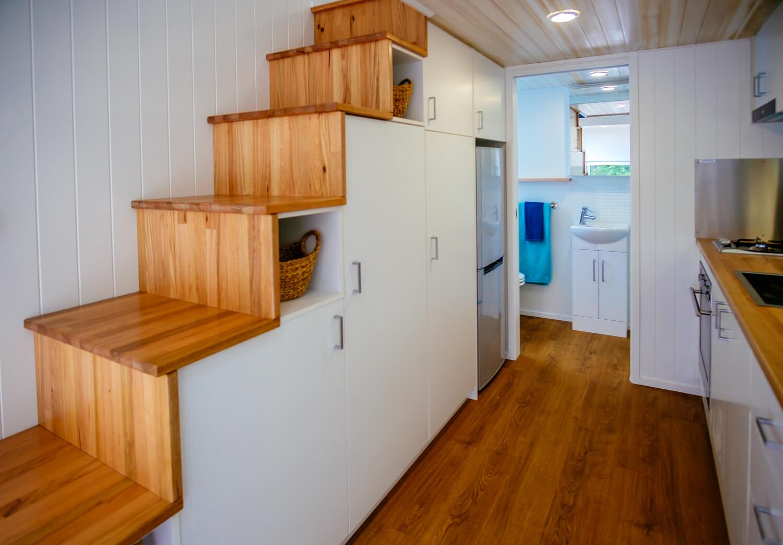 GS6000DL (white) Stair Storage